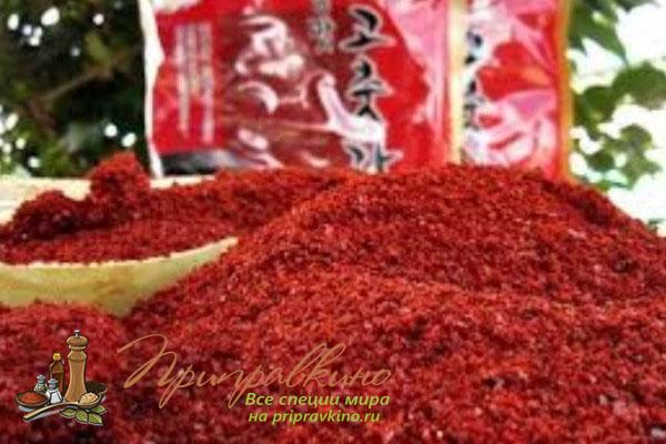 Кочукару – корейские красные перцовые хлопья, один из ингредиентов в составе кимчи.