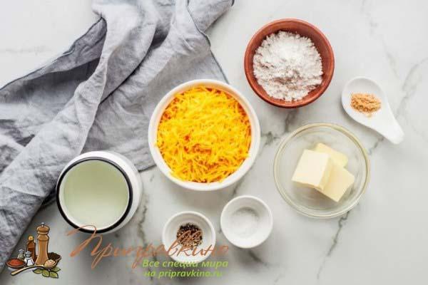 Ингредиенты для сливочно-сырного соуса для макарон