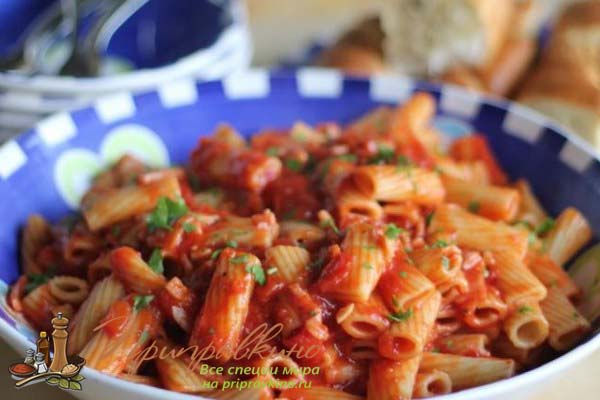 Итальянский томатно-сливочный соус к макаронам