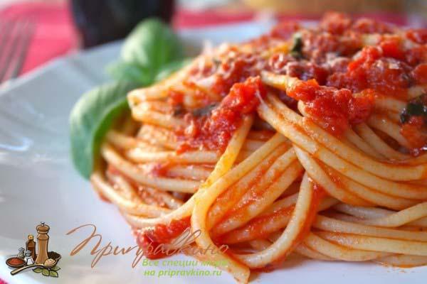 Классический рецепт томатного соуса для макарон