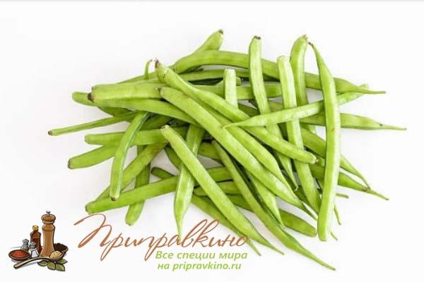 Плоды бобового растения, называемого гуаром или гороховым деревом (Cyamopsis tetragonolobus)